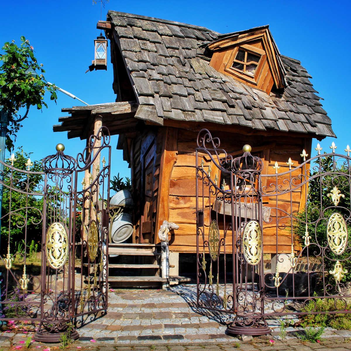 Hexenhaus mit Hexengarten und Schmiede Eisernen Zaun