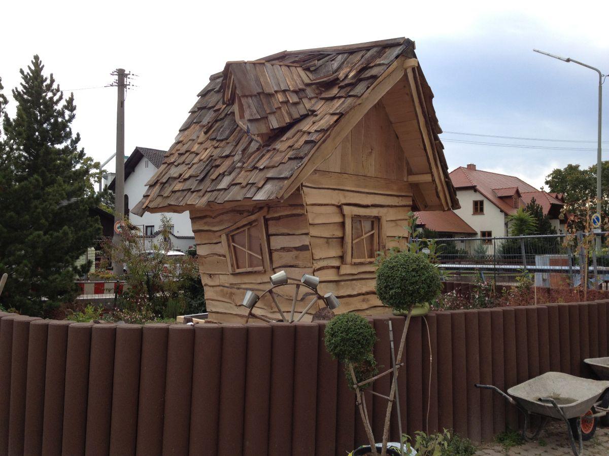 Hexenhaus Opa Baut Ein Kinderspielhaus Bananapapade