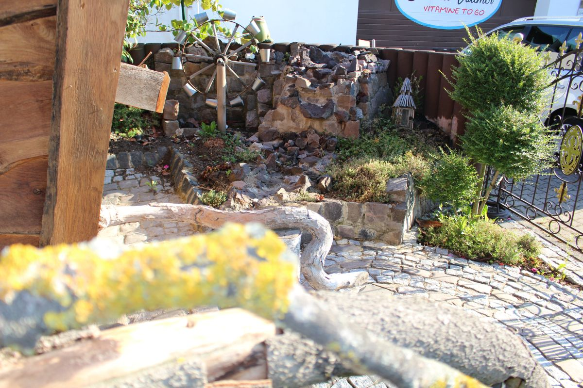 Garten Hexenhaus Wasserspiel