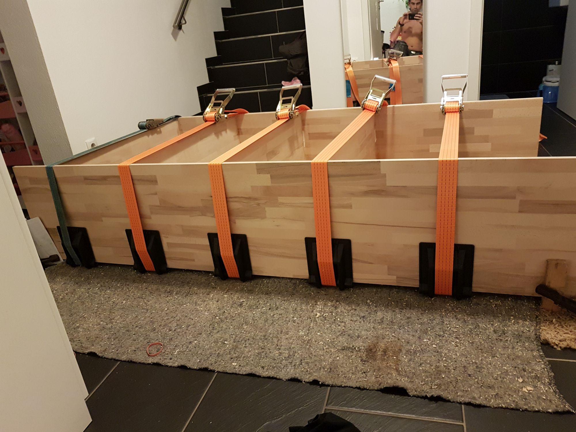 Büroschrank selber bauen, verspannen