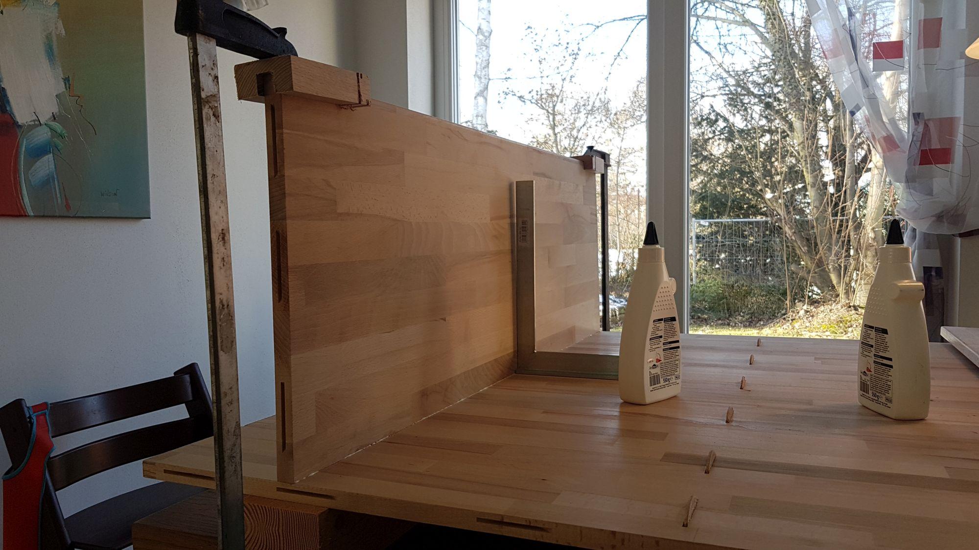Büroschrank selber bauen, Böden verleimen