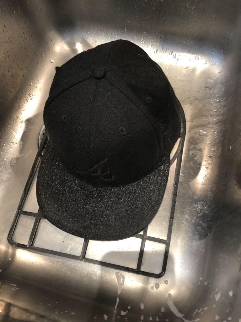 Cap in Cap Buddy einlegen